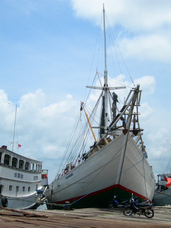 Makassar harbor